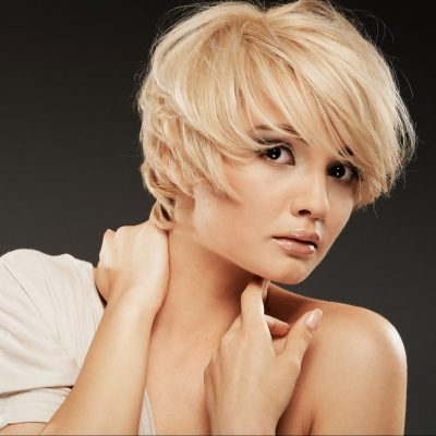 blonde-hair-model-with-short-hair